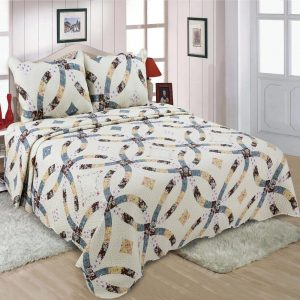 Traditional design quilted bedspread