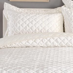 white diamond quilted bedcover
